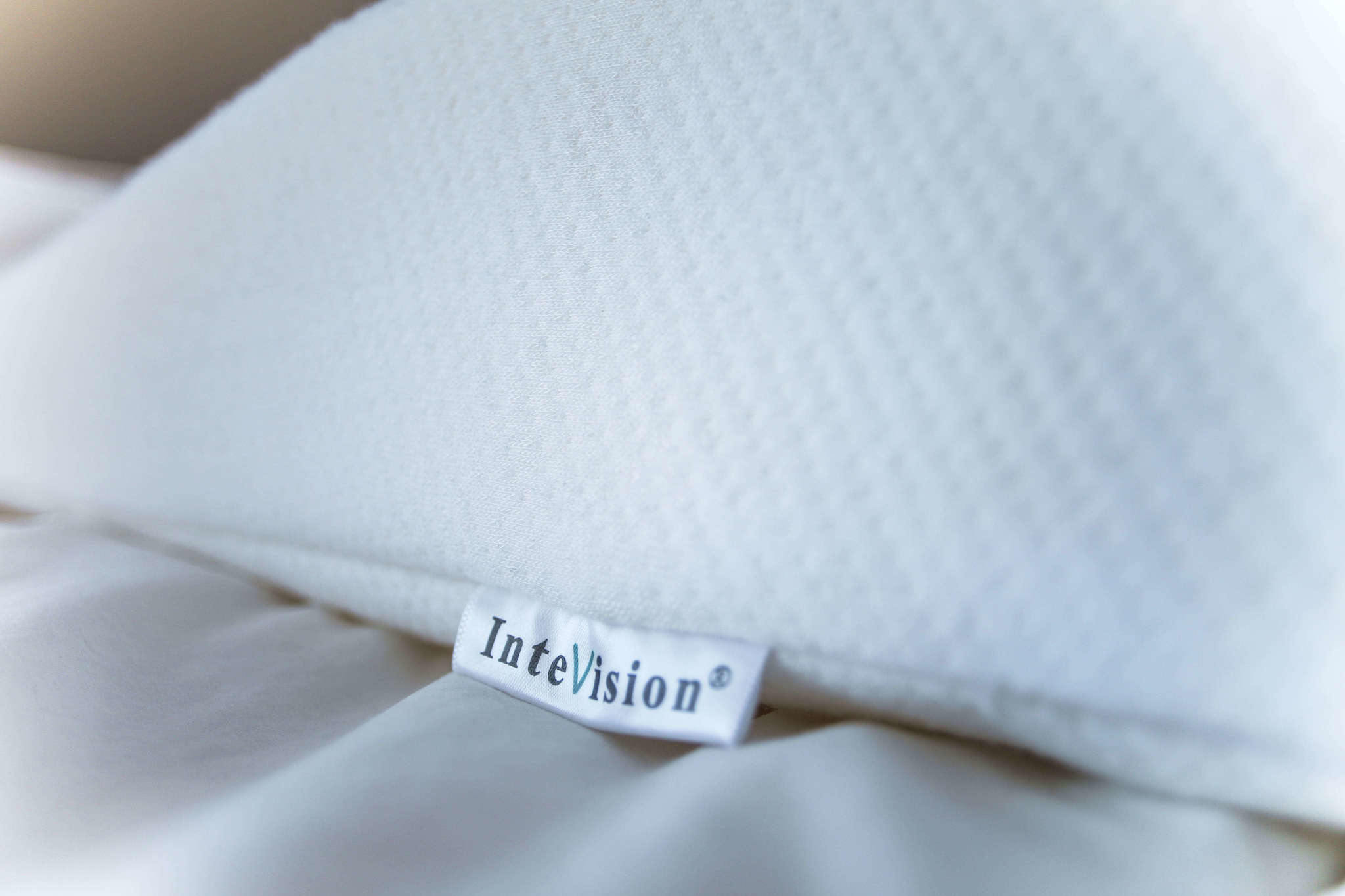 Review of the InteVision Foam Wedge Pillow