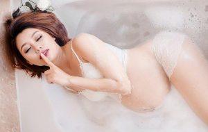 pregnant lady bathing