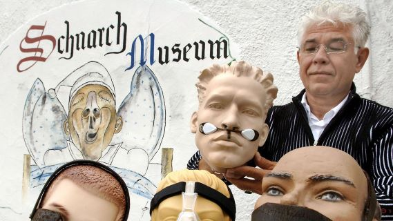 Tour The Museum of Snoring in Alfeld, Germany