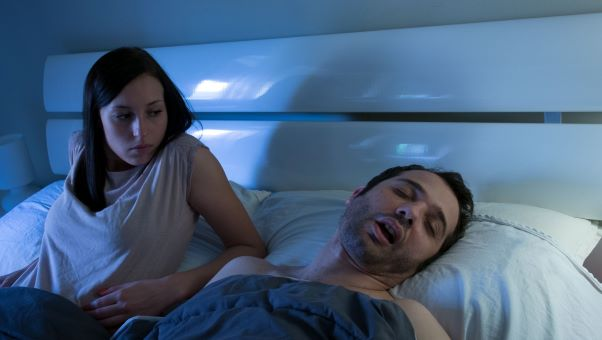 couples adding snoring rooms